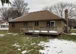 Foreclosed Home in Woodstock 60098 1234 DEAN ST - Property ID: 4340128
