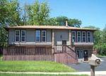Foreclosed Home in Bolingbrook 60440 118 E ROBINHOOD WAY - Property ID: 4340373
